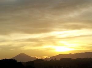 夕焼けと富士山1